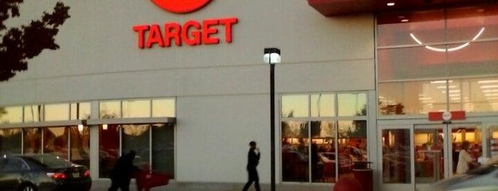 Target is one of Orte, die Nicholas gefallen.