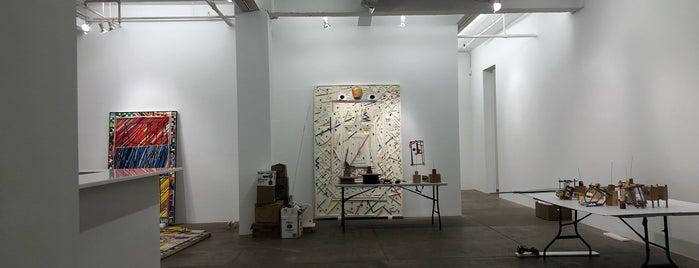 PPOW Gallery is one of Locais curtidos por Sara.