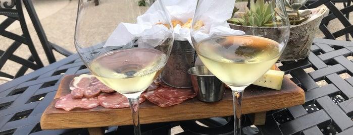 The Hare Wine Co. is one of สถานที่ที่ Cristy ถูกใจ.