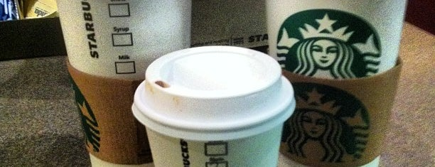 Starbucks is one of Lugares favoritos de Divya.