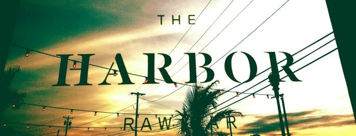 The Harbor Raw Bar & Lounge is one of Xplor.