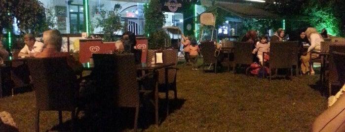 Abraham's Cafe is one of สถานที่ที่ Selim ถูกใจ.