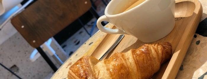 Darius Café is one of (Temp) Best of Liege.