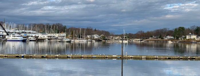 Mamaroneck Harbor is one of Orte, die Trae gefallen.