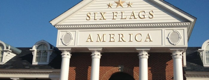 Six Flags America is one of Tempat yang Disukai hanibal.