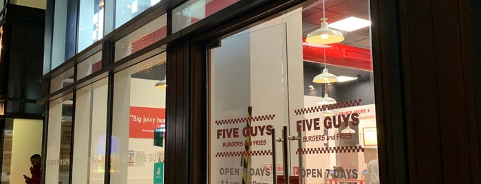 Five Guys is one of Lugares favoritos de Nick.