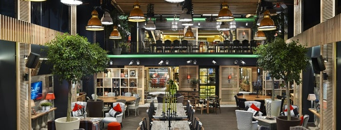 Bistro Cabana is one of Istanbul 2.