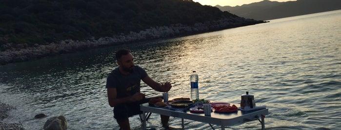 İnce Boğaz Plajı Kaş is one of mügüş'un Beğendiği Mekanlar.