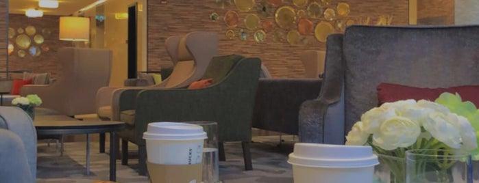 Starbucks is one of Posti che sono piaciuti a B❤️.