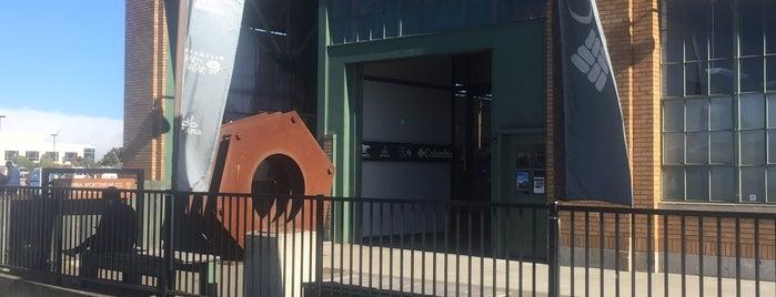 Mountain Hardwear Employee Store is one of สถานที่ที่ Rik ถูกใจ.