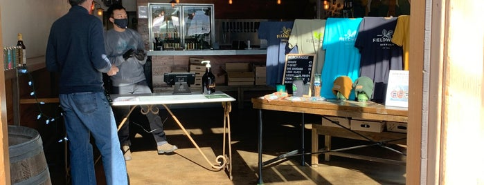 Fieldwork Brewing Sacramento Taproom is one of Locais curtidos por Dallin.