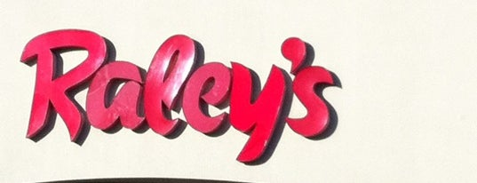 Raley's is one of Lieux qui ont plu à Pavel.