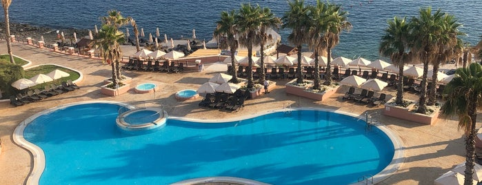 The Westin Dragonara Resort is one of Lugares favoritos de Valérie.
