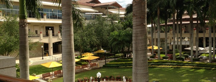 Shops at Merrick Park is one of Best Shopping Spots in Miami.