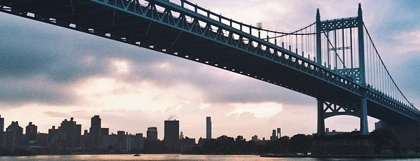 Robert F. Kennedy Bridge (Triborough Bridge) is one of Posti che sono piaciuti a Jason.