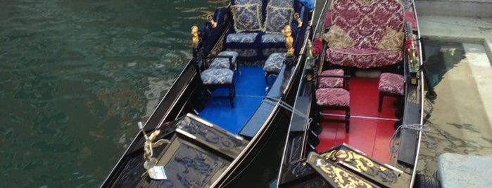 Venise is one of *** GEZGİNİN GÜNLÜĞÜ ' 2 ***.