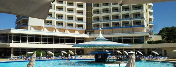 Pestana Delfim Beach & Golf is one of Pestana Hotels & Resorts.