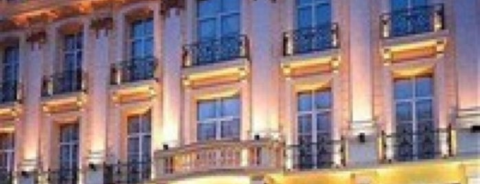 Andromeda Hotel is one of Elif : понравившиеся места.