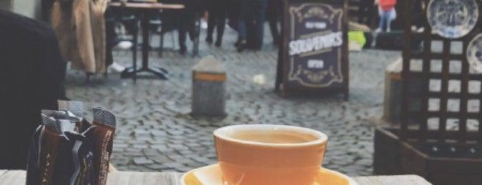 French Café is one of Orte, die Vassilis gefallen.