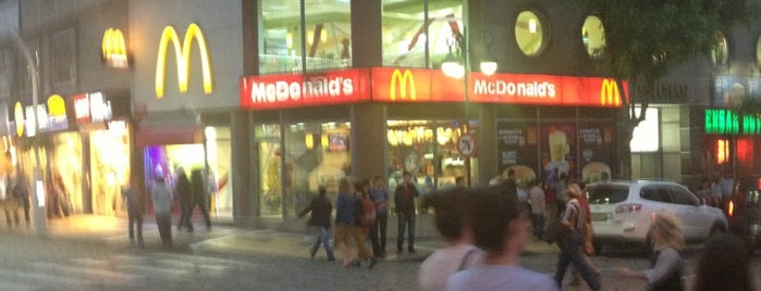 McDonald's is one of Orte, die Cem gefallen.