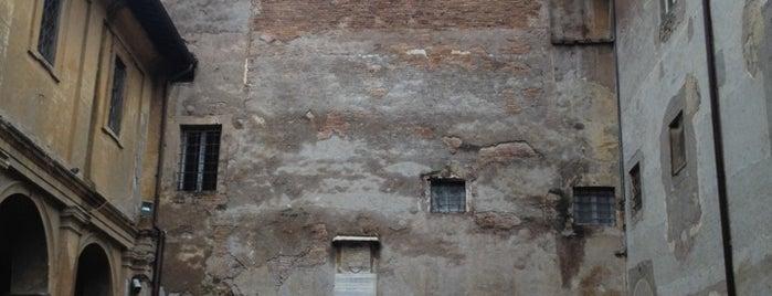 Basilica dei Santi Quattro Coronati is one of 101 cose da fare a Roma almeno 1 volta nella vita.