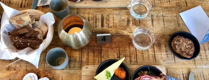 Wulff + Konstali Food Shop is one of Tibor 님이 좋아한 장소.