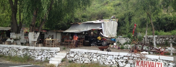 Motorcu Sarı Memedin Yer is one of สถานที่ที่ Fatih ถูกใจ.