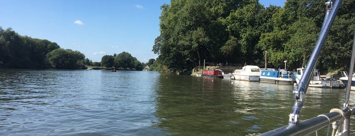 Hammerton's Ferry is one of Tired of London, Tired of Life (Jan-Jun).
