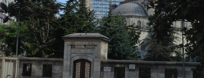 Şişli Meydanı is one of Mujdat : понравившиеся места.