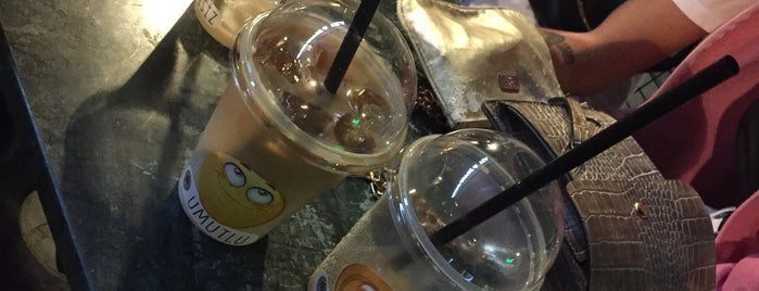 Brew Mood Coffee & Tea is one of Ayşen 님이 저장한 장소.