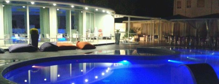 Blu Suite Hotel is one of Giacomo 님이 좋아한 장소.