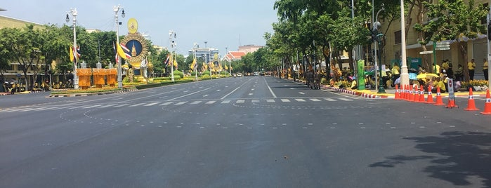 Ratchadamnoen Area is one of Yodpha's Liked Places.