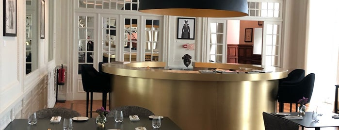 Vogue Café is one of Porto.