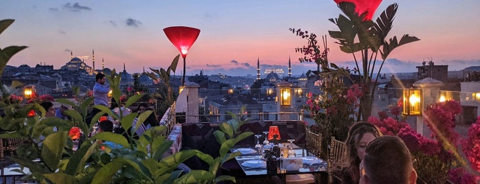 Roof Mezze 360 Restaurant is one of Lezzet Durakları.