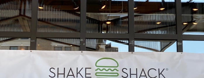 Shake Shack is one of Lugares favoritos de Mauricio.