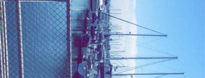 Marina del Rey is one of Neighborhood Americas.