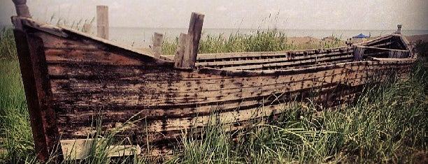 Khaneh Darya | خانه دریا is one of Orte, die Yunus gefallen.