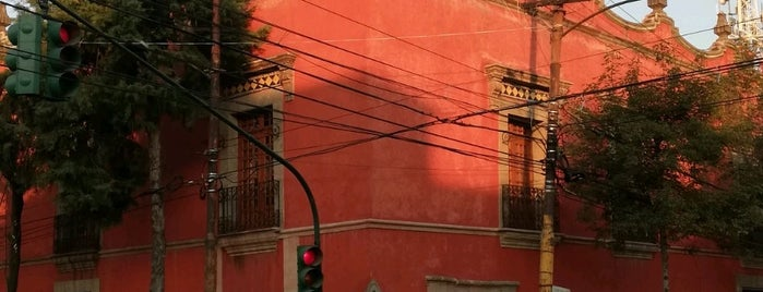 La Perulera is one of Sitios Históricos.
