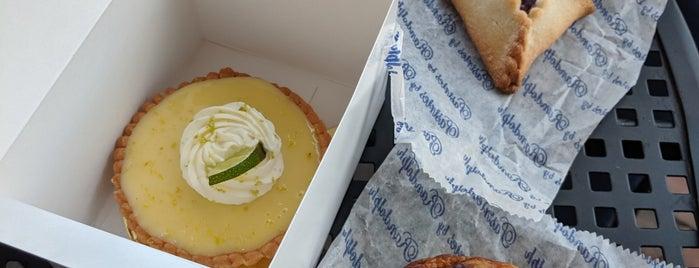 Pastries by Randolph is one of Lieux sauvegardés par BRB999.