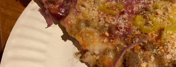 Baby Doll Pizza is one of Posti che sono piaciuti a Gehlen.
