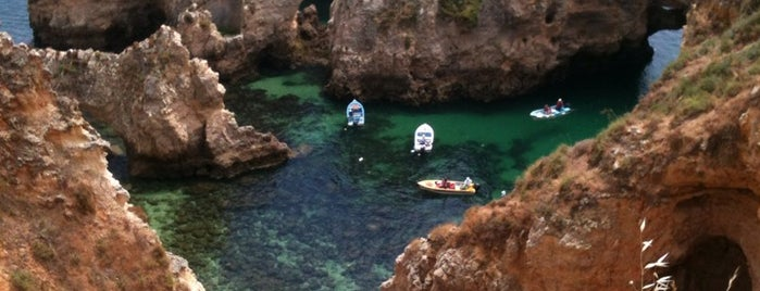 Ponta da Piedade is one of Lugares favoritos de Burce.