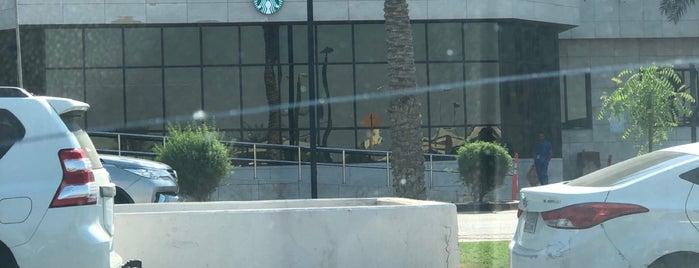 Starbucks is one of Azizさんのお気に入りスポット.