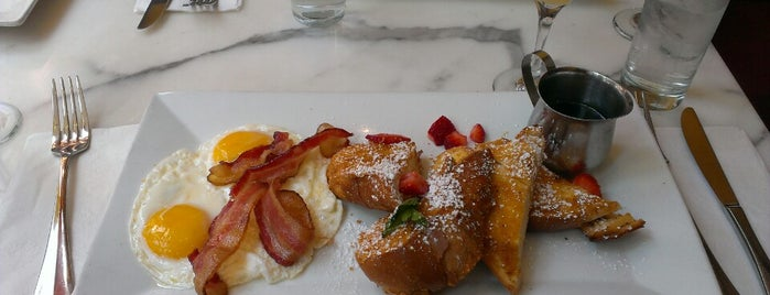Crema Restaurante is one of Brunch To-Do List.
