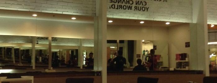 Bench Fix Salon is one of Hannah Jade : понравившиеся места.