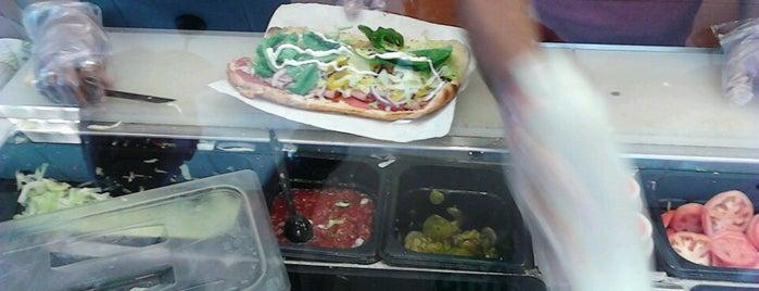 Subway is one of Locais curtidos por Charlotte.