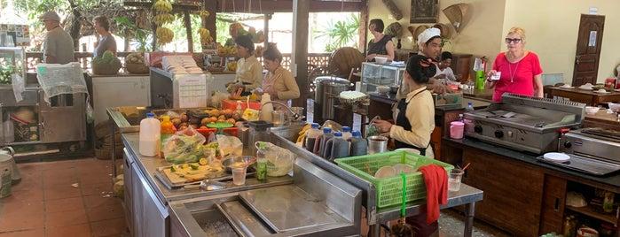 Prey Pros Restaurant is one of Posti che sono piaciuti a Kurtis.