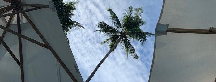 Atmosphere Resorts is one of Tempat yang Disimpan Christine.