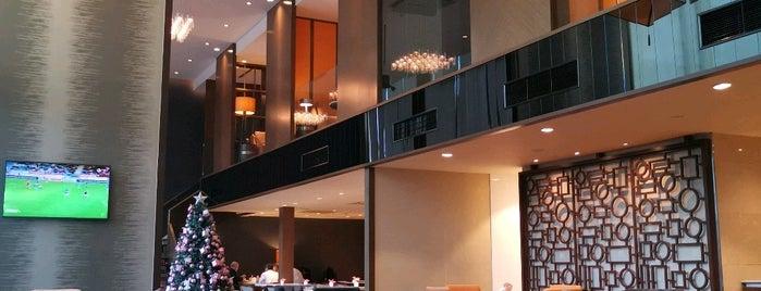 Sheraton Grand Towers Lounge is one of สถานที่ที่ Sada ถูกใจ.