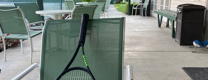 Indian Village Tennis Club is one of Posti che sono piaciuti a Anna.