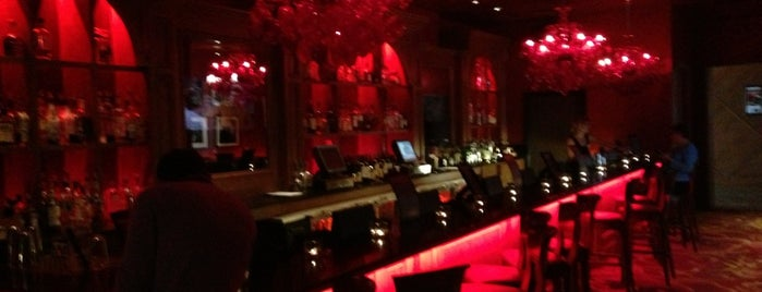 Burgundy Bar at The Saint Hotel is one of Locais curtidos por ATL_Hunter.